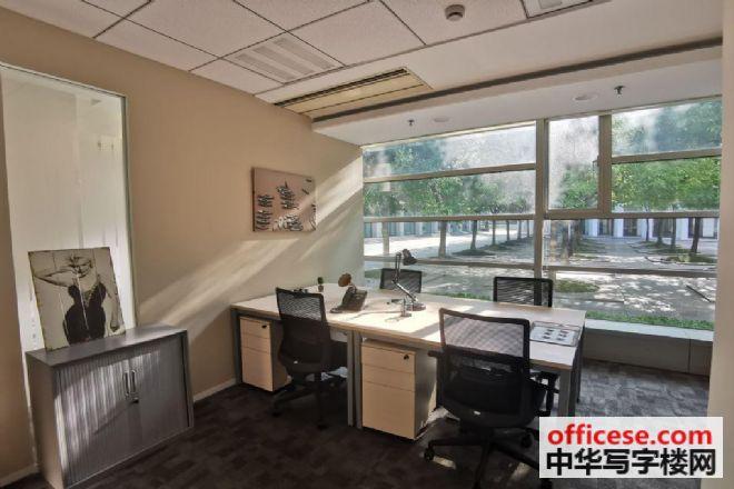 人均工位面积_办公室工位照片