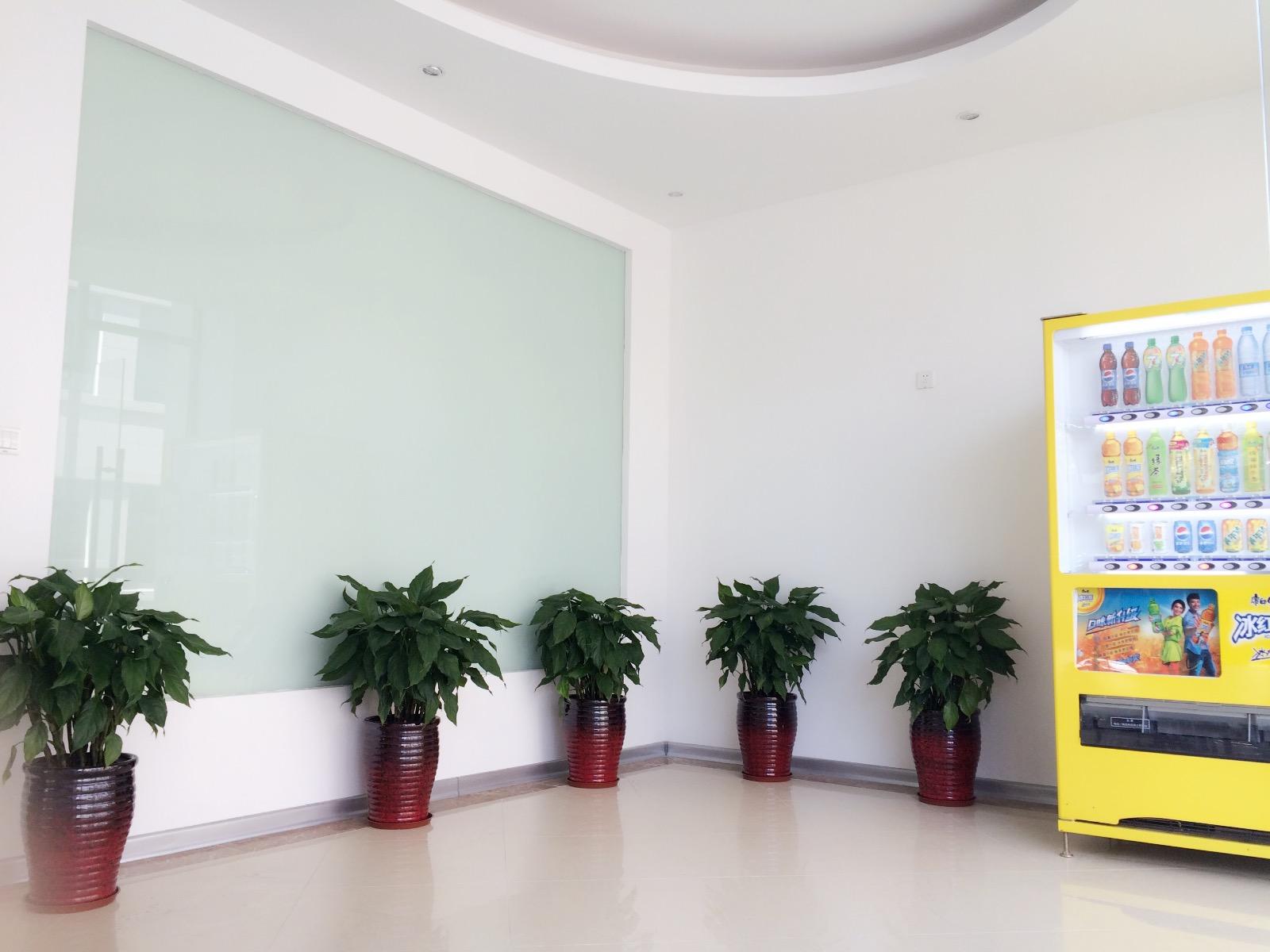 普陀区 李子园地铁站 小面积办公室 全新装修麦腾创业天地